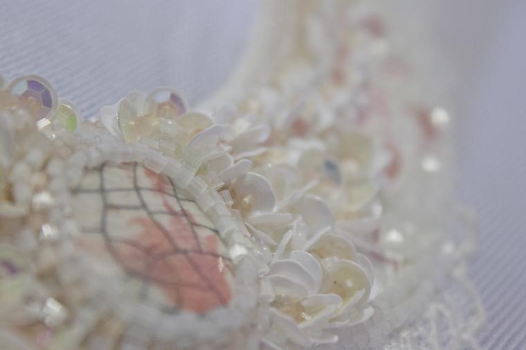 вышивка пайетками, белый, французская вышивка