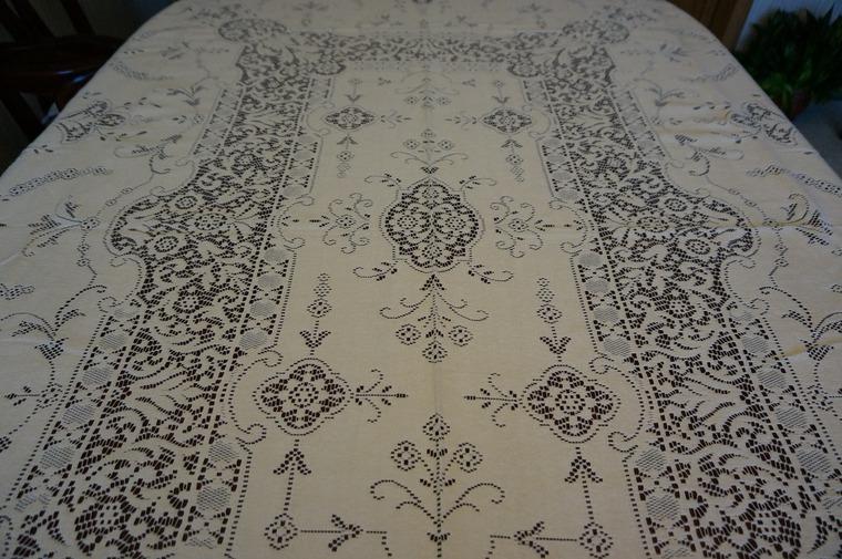 кружевная скатерть, предметы интерьера, старинный текстиль