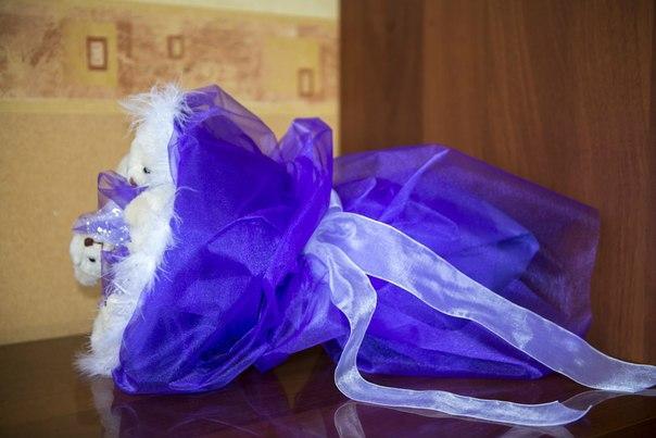 букет из игрушек, подарок женщине, мишка