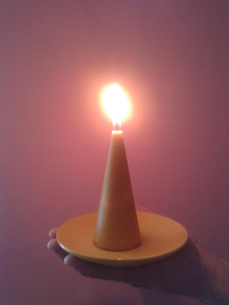 конфетка розыгрыш, свеча восковая, пчела
