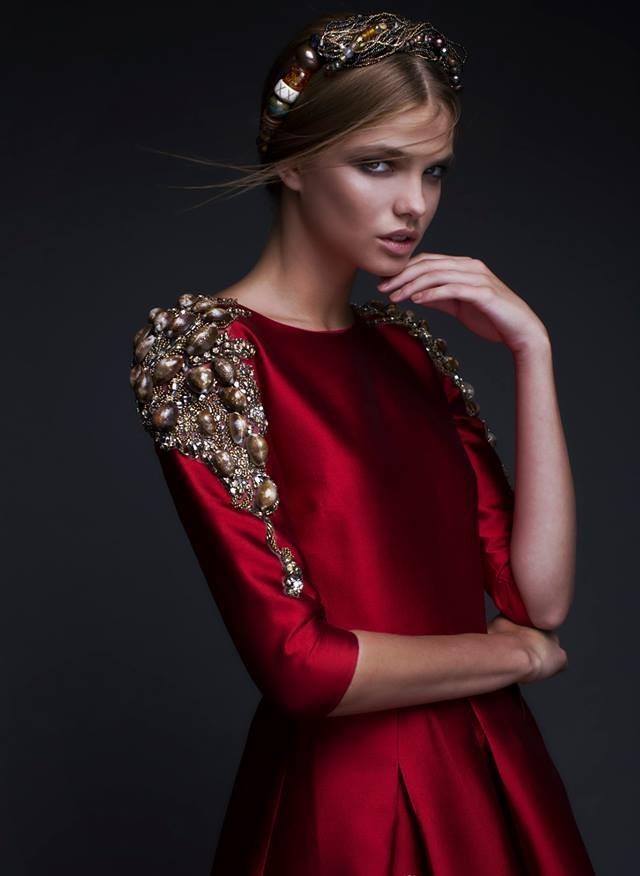 Шикарная вышивка на платьях