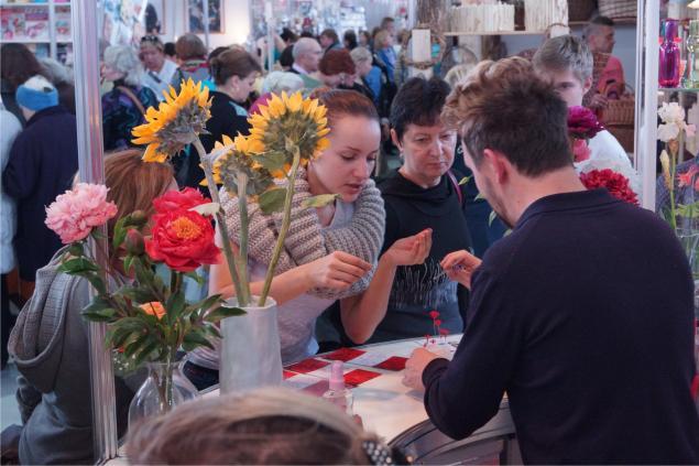 выставка-продажа, школа лепки цветов