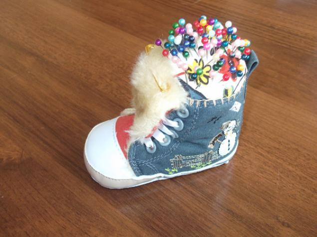 детский ботинок