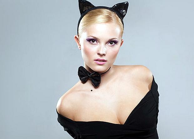 Женщина-кошка или самый популярный образ на Хеллоуин!