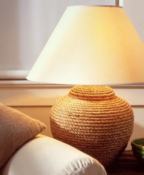 Декор настольной лампы канатом