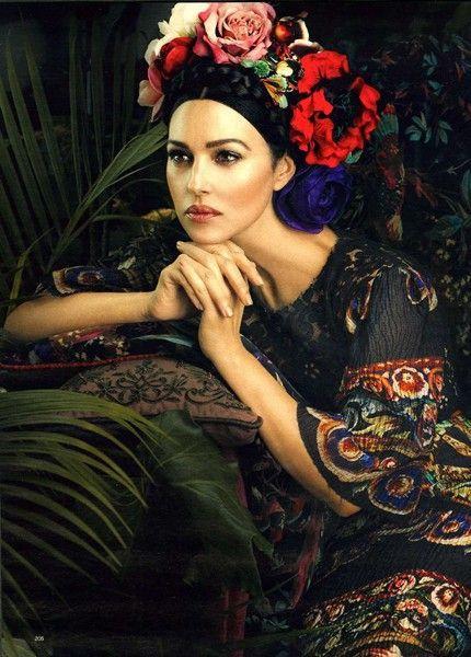 Monica Bellucci in Dolce & Gabbana Photography by Signe Vilstrup - niezmiennie pikna!