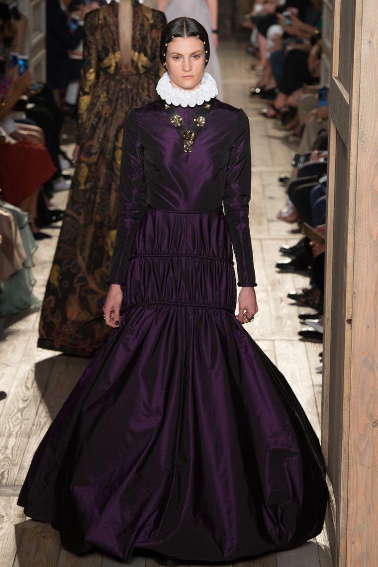 8799b1d94f4 Великолепная «готическая» коллекция Valentino haute-couture осень ...