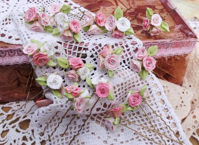 шпильки, розовые розы