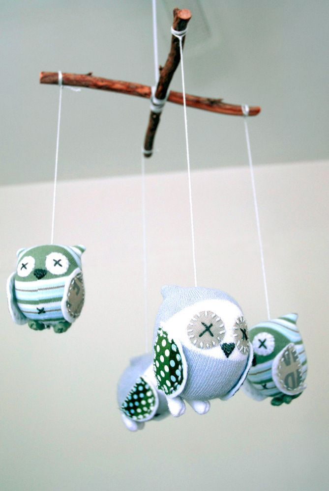 Starting three baby mobiles for the girls. All insect stuffed animals!  This one has a nice mix of fabric colors and patterns.  owl_mobile.jpg 6691,000 pixels