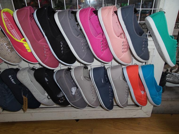 кеды, текстильные кеды, кеды с росписью, роспись обуви, роспись кед, расписная обувь, цветная женская обувь, недорогие кеды