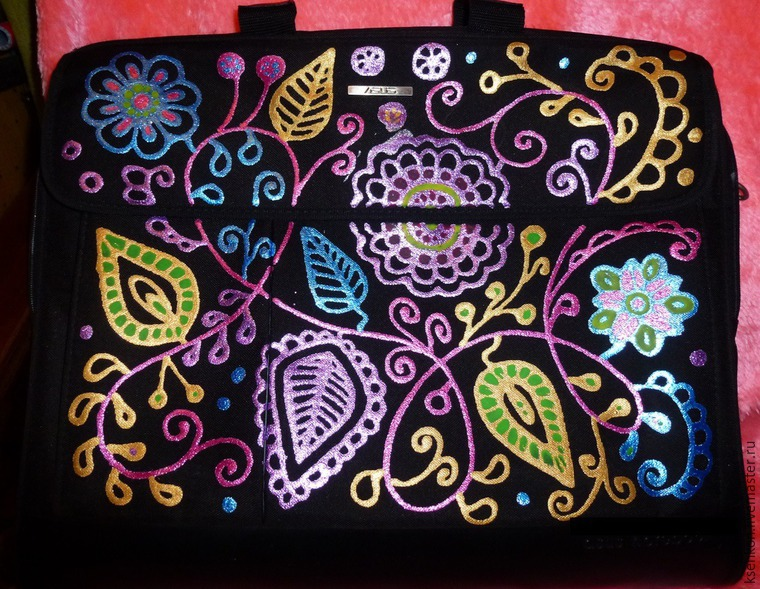 Decorating A Laptop Bag in a Dot-to-Dot Technique, фото № 7