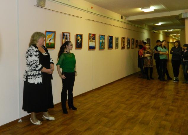 выставка, картины фэнтези