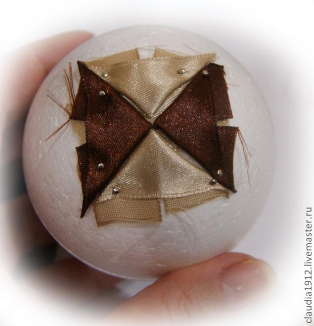 Ёлочный шар в стиле артишок