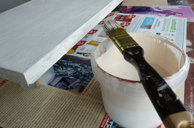 Decorating a Wooden Shelf with a Stencil, фото № 6