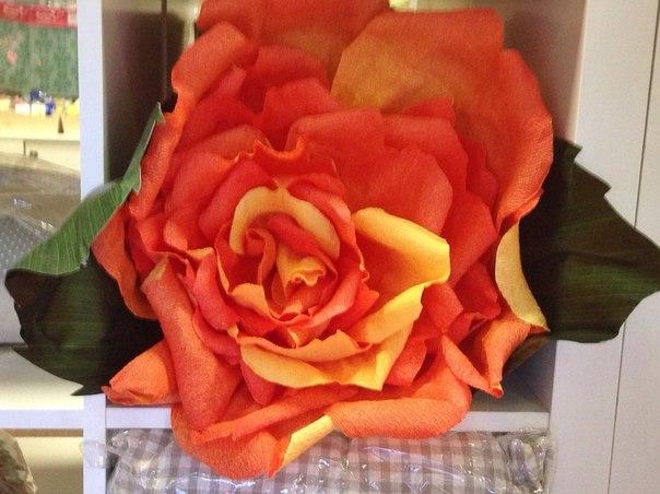 гигантская бумажная роза, гигантский цветок, оформление праздника