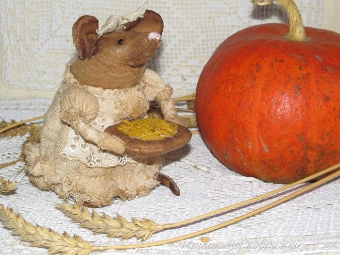 мышки, натюрморт с тыквами, интерьерная композиция, примитивные игрушки
