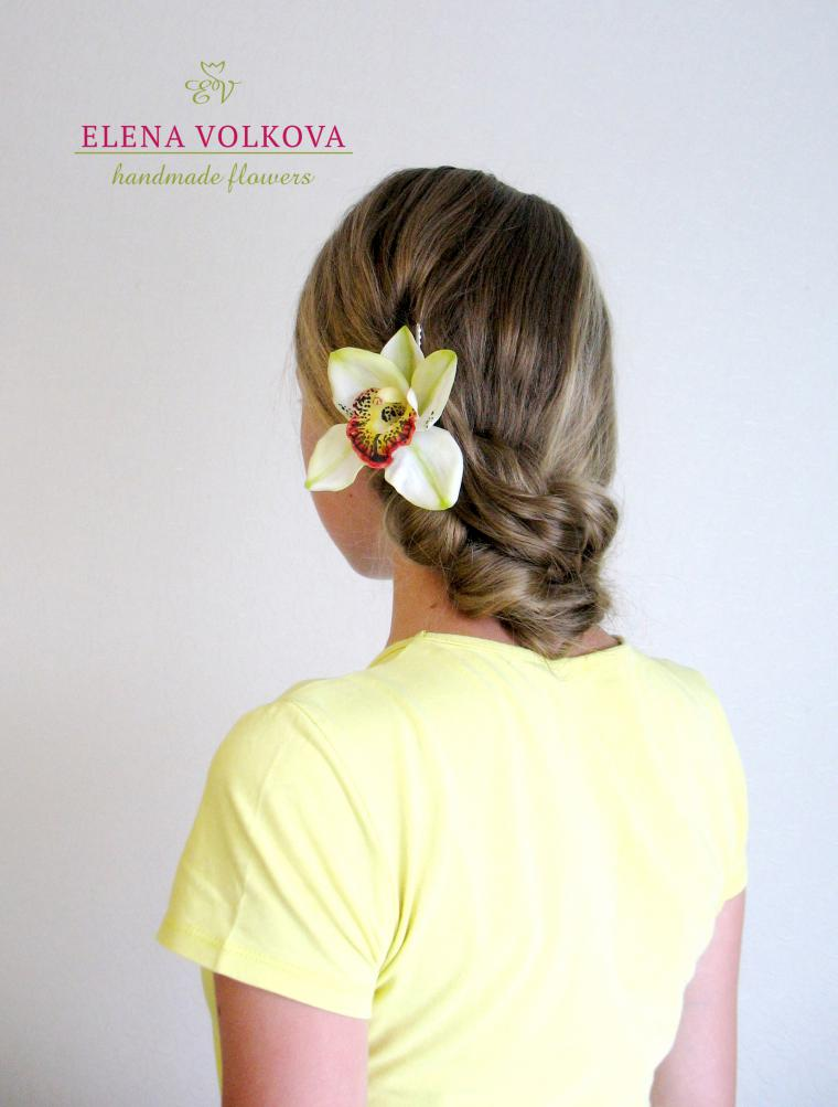 орхидеи в волосах