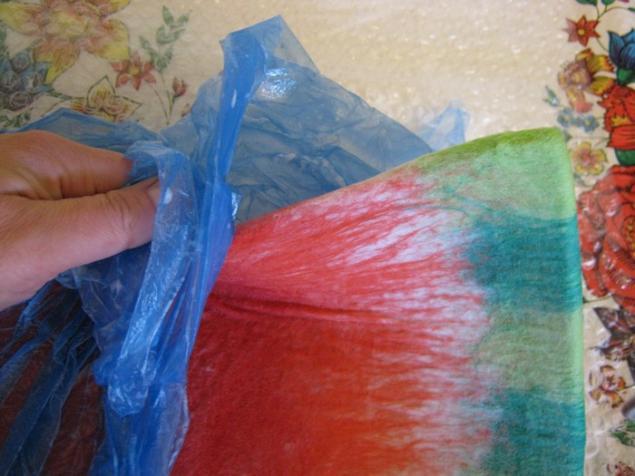 28. Воды в нашей сумке должно быть уже немного, а вот мыльце примерно столько, для лучшего скольжения.