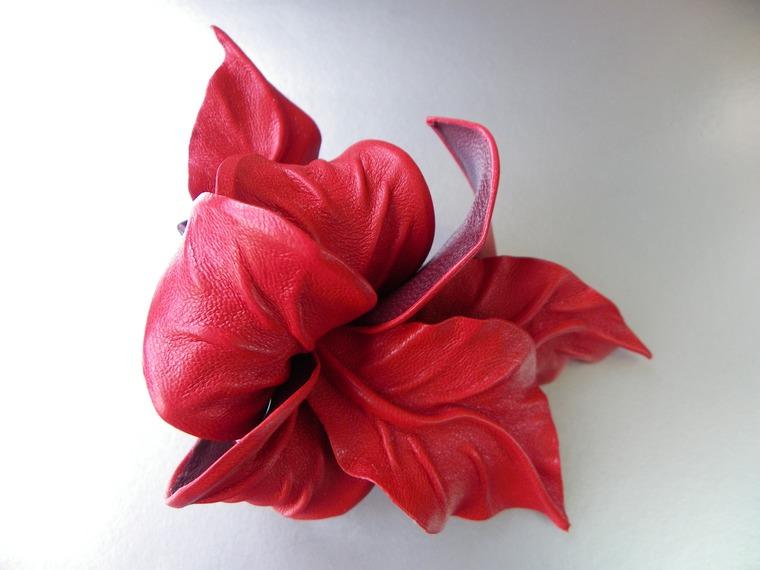 акция магазина, новое поступление, скидки на заколки, заколка с цветами, цветок заколка, цветок для волос, кожаная заколка