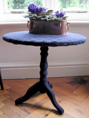 Вязанный стол для вязанного интерьера