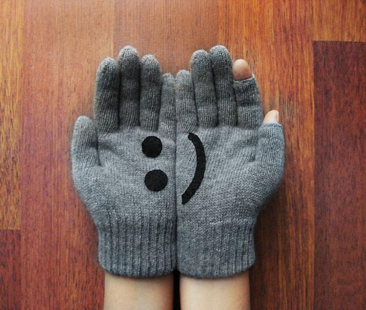 перчатки с аппликацией