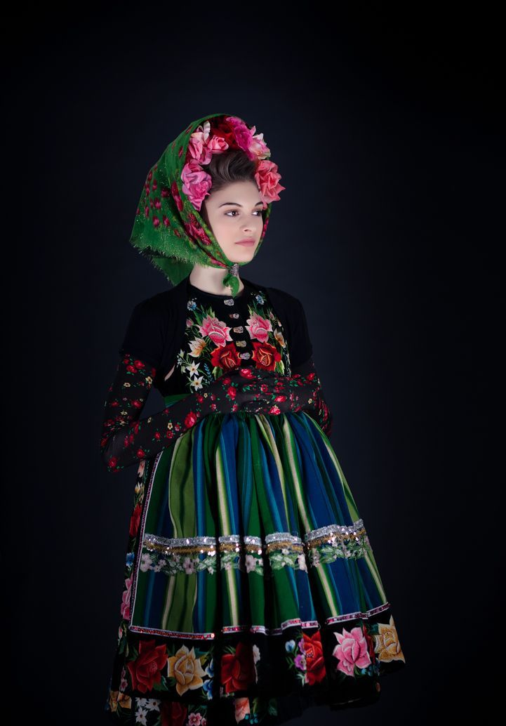 dreimaederlhouse, floral folk