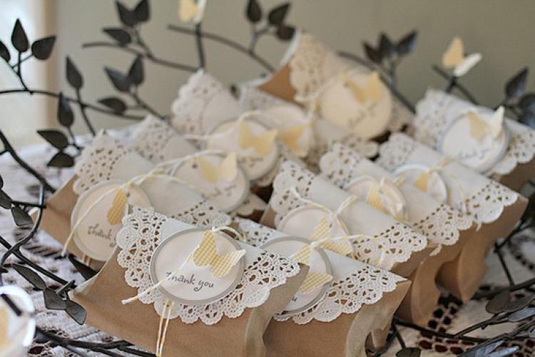 Идеи подарков на свадьбу гостям своими руками