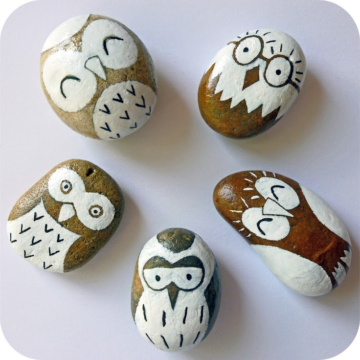 These pebble owls have SUCH personality!    Tutorial at Emily Summers Design and Nonsense