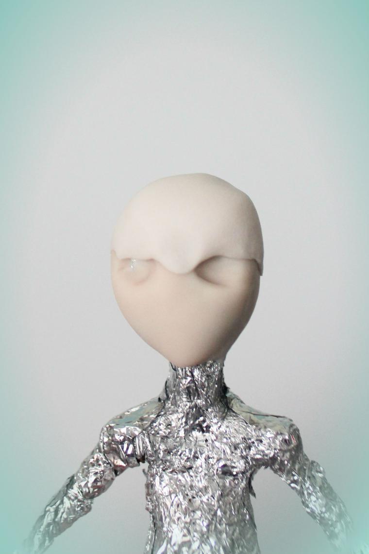 миниатюрная кукла