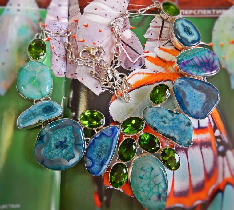 аукцион, аукцион сегодня, аукционы, колье с камнями, кварц, перидот, зеленый, яркое украшение, подарки, подарки покупателям