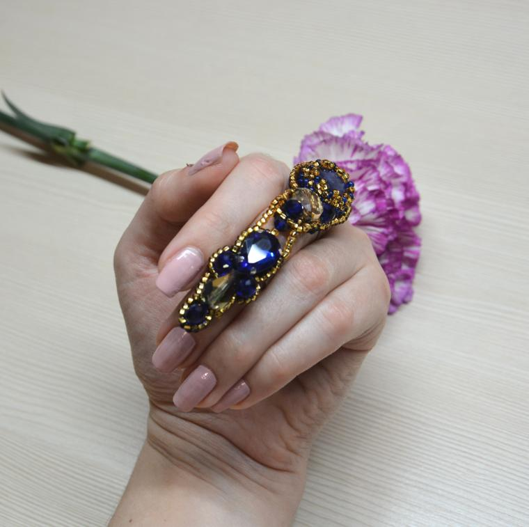 крупное кольцо, шикарное украшения
