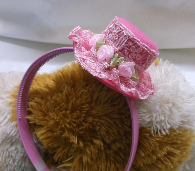 Фото изготовления резинки для волос шляпа