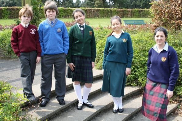 an argument in favor of wearing school uniforms in the united states Here are the top 10 reasons school uniforms should be  students wearing school uniform are more likely to develop  president of united states.