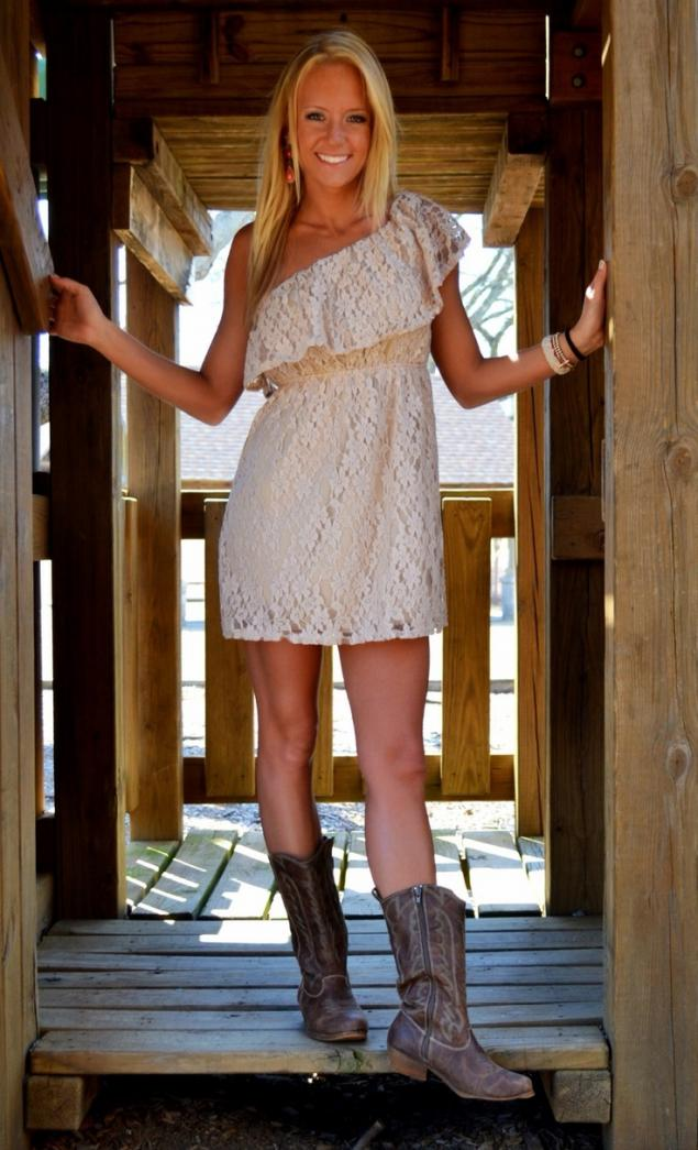 Стильное платье в ковбойском стиле