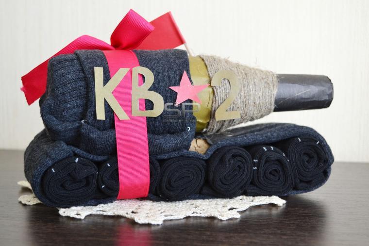 131c9c91f1c97 Делаем оригинальный подарок мужу — танк из носков – мастер-класс для ...