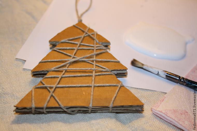 Как сделать игрушки на ёлку из картона своими руками