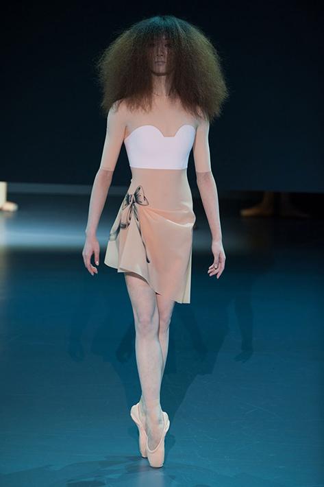Victor&Rolf Haute Couture весна-лето 2014, фото № 3